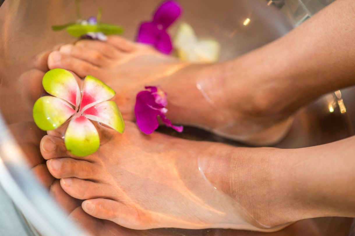 FOOT SPA WITH OUR AROMATHERAPY FOOT SOAK